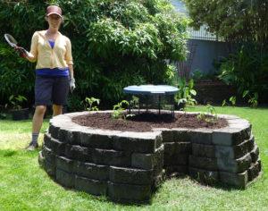 keyhole composting raised bed